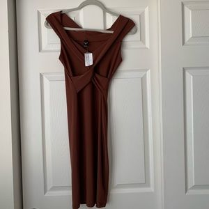 Bodycon off the shoulder Windsor dress